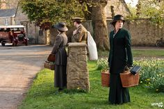 Resultados de la Búsqueda de imágenes de Google de http://www.spoilertv.co.uk/images/cache/downton-abbey/season-2/promotional-episode-photos/episode%25202.05/DOWNTON_ABBEY_EP506%255B1%255D_FULL.jpg