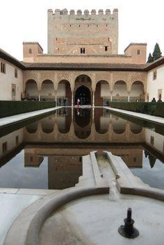 Granada Alhambra Patio de los Arrayanes - photo: Robert Bovington  # Alhambra # Granada #Andalusia #Spain http://bobbovington.blogspot.com.es/2011/10/alhambra.html