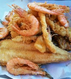 A market in Agadir, Morocco Fish Tagine, Agadir, Calamari, Veggies, Yummy Food, Lunch, Meals, Ethnic Recipes, Delicious Food