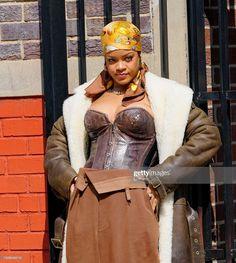 Best Of Rihanna, Rihanna Looks, Rihanna Style, Rihanna Fashion, 90s Fashion, Fashion Outfits, Black Celebrities, Celebs, Rihanna Fenty Beauty