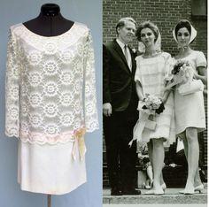 MOD WEDDINGGoogle Image Result for http://sammydvintage.com/wp-content/uploads/2012/01/vintage-mod-wedding-dress-2.jpg