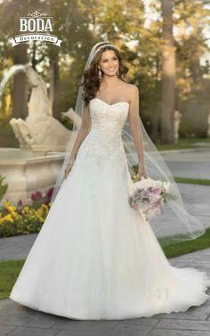 Enámorate de este hermoso vestido. | #TodaTuBodaEnUnSoloLugar #weddingdress #velo #brideaccesories #wedding #weddingday #bride #bridetobe #weddingides