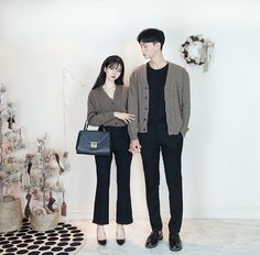 Depending on your mood and the look you're going for, a shoe decision can be a difficul Matching Couple Outfits, Matching Couples, Cute Couples, Korea Fashion, Asian Fashion, Korean Couple, Ulzzang Couple, Fashion Couple, Looks Cool