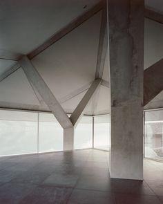 Atelier Scheidegger Keller the House with two columns, Sarnersee, Switzerland, 2014
