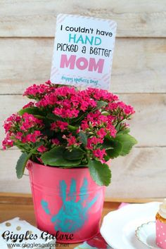 Quick and Easy Mother's Day Gift Ideas and Printables – Happy Home Fairy – Valentinstag Grandmas Mothers Day Gifts, Homemade Mothers Day Gifts, Mothers Day Crafts For Kids, Mother Day Gifts, Great Grandma Gifts, Happy Home Fairy, Diy Mother's Day Crafts, Mother's Day Diy, Craft Gifts