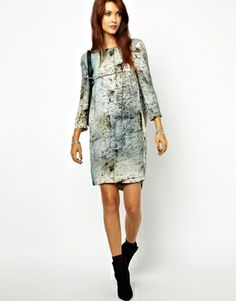 love the print (but not the low back!)--> 2nd Day Wow Dress with Low Back in Bark Print