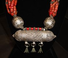 Yemen | silver and coral necklace
