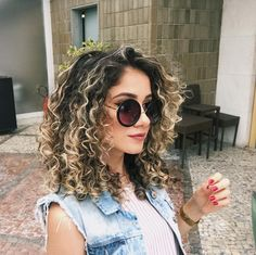 Curly Hair: Cute Hairstyles for Medium Curly Hair in Hair Curly Curlyhair Hairideas curlyhairstyles curlynaturalhairstyles curlyhairideas curlyhairtrends 297448750391187019 Ombre Curly Hair, Curly Hair Styles, Curly Hair With Bangs, Colored Curly Hair, Curly Hair Tips, Short Curly Hair, Medium Hair Styles, Medium Length Curly Hairstyles, Color For Curly Hair