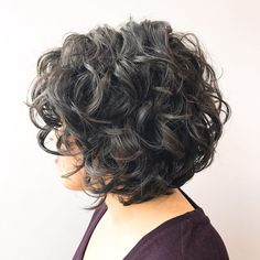 50 Curly Bob Ideas – Top Hairstyles for Every Type of Curl 50 Curly Bob-Ideen - Top-Frisuren Blonde Curly Bob, Bob Haircut Curly, Lob Haircut, Curly Hair Cuts, Curly Hair Styles, Brunette Bob, Dark Blonde Bobs, Curly Lob, Blonde Curls