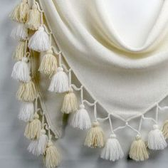 Feinste Tücher aus 100% Alpaka Tassel Necklace, Fashion, Gifts, Moda, La Mode, Fasion, Fashion Models, Trendy Fashion