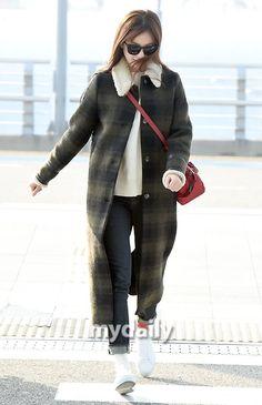 Airport Fashion, Airport Style, Asian Fashion, Girl Fashion, Han Hyo Joo, Actresses, Coat, Jackets, Women's Work Fashion