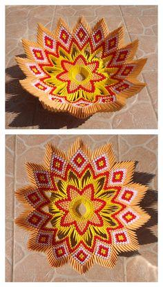 3D origami bowl 3D origami miska instructions/návod: https://youtu.be/TZbF8o0NVrw