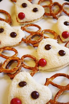 And Everything Sweet: Reindeer Party or just snack time....  starts with a PB reindeer sandwich