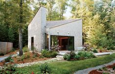 A one-room retreat outside Providence, Rhode Island, takes up no more space than a standard two-car garage.