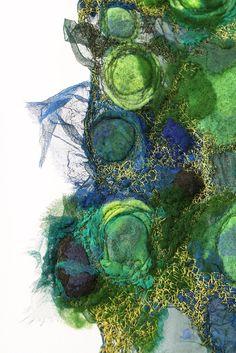 Textile art- with different types of fabric Textile Texture, Textile Fiber Art, Textile Artists, Atelier D Art, Creative Textiles, Textiles Techniques, Book Art, Fabric Manipulation, Felt Art