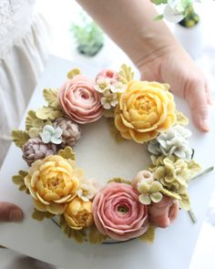 Repost atelier_ryeo Advanced class 1st student's work 앙금떡플라워케이크 심화과정 1주차 Rice flower cake Buttercream Flower Cake, Flower Cupcakes, Buttercream Decorating, Cake Decorating, Korea Cake, Jelly Flower, Jelly Cake, Cupcake Cakes, Cup Cakes