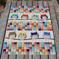 This is Evelyn's  Whoo's Your Baby  quilt and the pattern can be found in  the book  Jelly Babies  by Karen Costello.   When she was wo...
