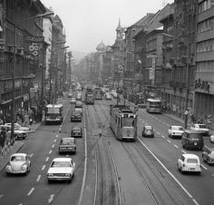Old Pictures, Old Photos, Anno Domini, Budapest Hungary, Good Old, Historical Photos, Tao, Arch, Street View
