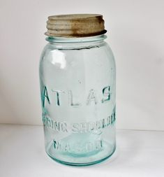 This is a price guide. Learn about values with this vintage canning jar price guide, including manufacturers, dates, and prices. Kerr Mason Jars, Kerr Jars, Ball Canning Jars, Ball Mason Jars, Antique Bottles, Bottles And Jars, Antique Glassware, Mason Jar Crafts, Mason Jar Diy
