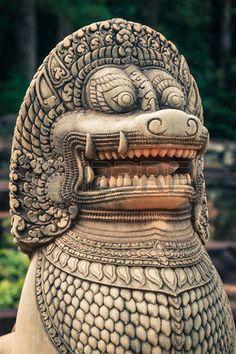 art khmer design: Lion statue sur la terrasse des éléphants, Angkor Thom, Siem Reap