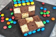 Cake damier comme un napolitain Tiramisu, Birthday Cake, Simple, Ethnic Recipes, Diy, Alligators, Food, Storage, Molten Lava Cakes