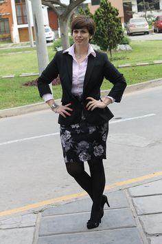 Divina Ejecutiva: Mis Looks - La falda negra de flores