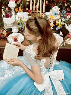 alice in wonderland cosplay costume Disney Aesthetic, Princess Aesthetic, Disney Princess Dresses, Disney Dresses, Lovely Dresses, Flower Girl Dresses, Alice In Wonderland Aesthetic, Alice In Wonderland Dress, Robes Disney