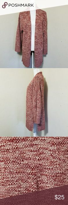 Comfy cozy cardi Lovely muted red and creme color cardigan has a loose, flowy fit and bell sleeves that come down just to the wrist. Slightly heavy weight knit that's perfect for fall layering! Old Navy Sweaters Cardigans