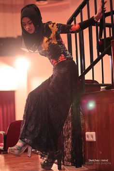 Neu look flower print top, Mainland-Heritage lace skirt, H&M high heels Performing Turning tables-Adele at German International School,. Modest Wear, Modest Outfits, Muslimah Blog, Hijab Fashionista, Women Of Faith, Style Inspiration, Headscarves, Beautiful, Hijab Styles