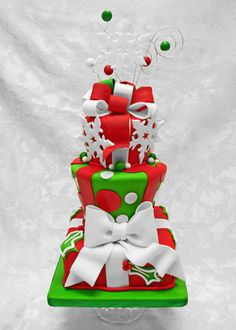 Christmas is in the air! Here are the cakes for you in this wonderful time of the year. Enjoy browsing each super cute Christmas cake. Christmas Sweets, Christmas Goodies, Christmas Baking, Christmas Cakes, Christmas Wedding, Fancy Cakes, Cute Cakes, Fondant Cakes, Cupcake Cakes