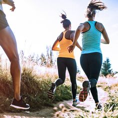 Get a breath of fresh air, relax and get fit at the same time: jogging is a … - Fitness Workout Fitness Workouts, Marathon Laufen, Running Watch, Workout Accessories, Running Training, Sport Man, Sport Watches, Biceps, Adulting