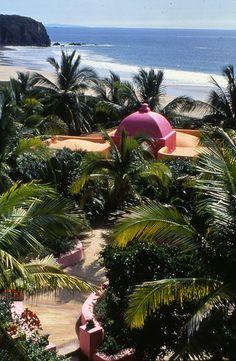Disfruta de las maravillosas costas del Pacífico en #Manzanillo, uno de los rincones más paradisíacos de #Mexico.