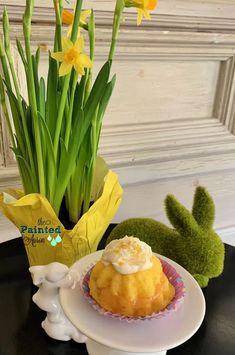 Home Decor, Springing to Easter Sunshine Cake, Easter 2020, Lemon Cupcakes, Cupcake Recipes, Recipe Box, Happy Easter, Apron, Holidays, Breakfast
