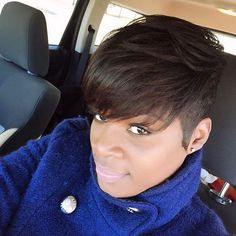 STYLIST FEATURE| Love this #shortcut styled by #dfwstylist @manemaintenancesalon So chic #voiceofhair ✂️========================== Go to VoiceOfHair.com ========================= Find hairstyles and hair tips! =========================