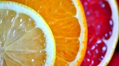 Benefits of citrus fruit Eat Fruit, Fresh Fruit, Juicy Fruit, Dried Fruit, Fresco, Drinking Hot Water, Peau D'orange, Pink Grapefruit, Lemon Water
