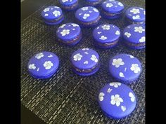 how to decorate french macarons with flowers Macarons, Bakery, Sweets, Homemade, French, Chocolate, Purple, Foodies, Flowers