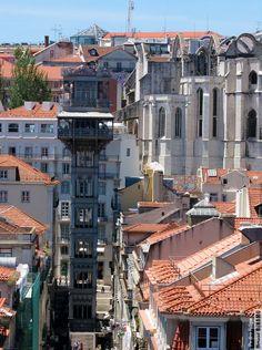 Elevador de Santa Justa e Ruínas do Carmo, Lisboa, Portugal