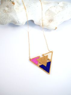 Collier scandinave en perles Miyuki ★ or Goldfilled ★ bleu rose écru : Collier par lili-azalee-bijoux
