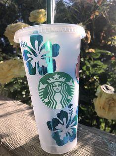 Personalized Starbucks Cup, Custom Starbucks Cup, Personalized Cups, Starbucks Cup Design, Disney Cups, Cricut Vinyl, Hot Coffee, Cricut Ideas, Tumblers