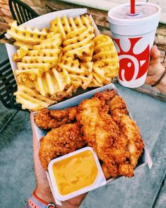 Shared by Amanda Auverigne. Find images and videos about food, yummy and delicious on We Heart It - the app to get lost in what you love. Think Food, I Love Food, Good Food, Yummy Food, Yummy Snacks, Yummy Yummy, Food Porn, Food Goals, Aesthetic Food