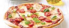 Stop by Kraft Canada and get great recipes that the entire family can enjoy. Whether it's for the holidays or a family dinner, find unique ideas and recipes. Easy Meal Prep, Easy Meals, Great Recipes, Dinner Recipes, Sweet Cherries, Hawaiian Pizza, Cherry Tomatoes, Superfoods, Vegetable Pizza