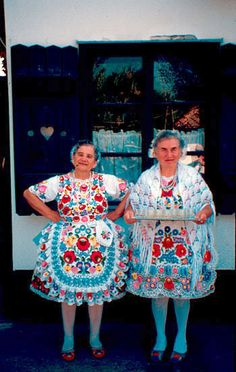 Hungarian women in traditional folk costumes from Kalocsa - we should all dress like this - what fun that would be! We Are The World, People Around The World, Hungarian Women, Mode Costume, Hungarian Embroidery, Textiles, Chain Stitch, Ethnic Fashion, Traditional Dresses
