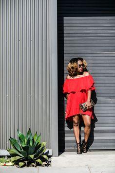 Off The Shoulder dress - She Inside // Heels - Zara // Clutch - Louis Vuitton // Glasses - Fendi