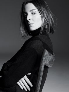 Phoebe Philo's Prophetic Fashion on T Magazine. Best article I've read in a long time. Modern aesthetics for modern women, a minimalist approach to power dressing.