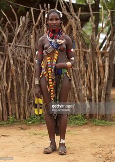 Hamar woman, Omo valley in Ethiopia on October 2008 - Hamar in Turmi, Ethiopia, not yet married. The Hamar live on the eastern side of the Omo Valley in southern Ethiopia. They are a tribe with. African Tribes, African Women, India Linda, African Beauty, African Fashion, Beautiful Black Women, Beautiful People, Xingu, Tribal Women