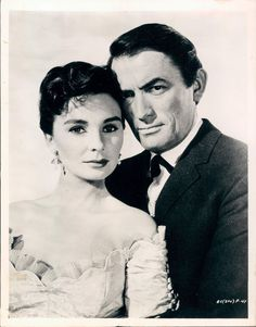 """Gregory Peck, Jean Simmons in """"The Big Country"""" Director: William Wyler. Hollywood Icons, Hollywood Actor, Hollywood Stars, Classic Hollywood, Old Hollywood, Hollywood Glamour, Iconic Movies, Old Movies, Classic Movies"""