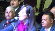 Lídia Noises canta nao á ferrolho nem potra no 27º congresso dos gideões...