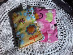 porta passaporte em tecido algodão de diversas cores e estampas, com bolso para 2 passaportes - cartões - dinheiro - etc. Serve como carteira de viagem.  $10,00