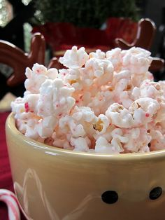 Christmas peppermint popcorn. another pinned says: {This stuff is like crack. I gave it as neighbor gifts and a few people even asked for more!}
