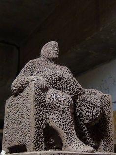 Khaled Dawwa - Syrian Artist King of fragility, like a sponge Clay, 2015